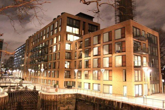 2 Bedrooms Flat for sale in Hirst Court, Grosvenor Waterside, Chelsea