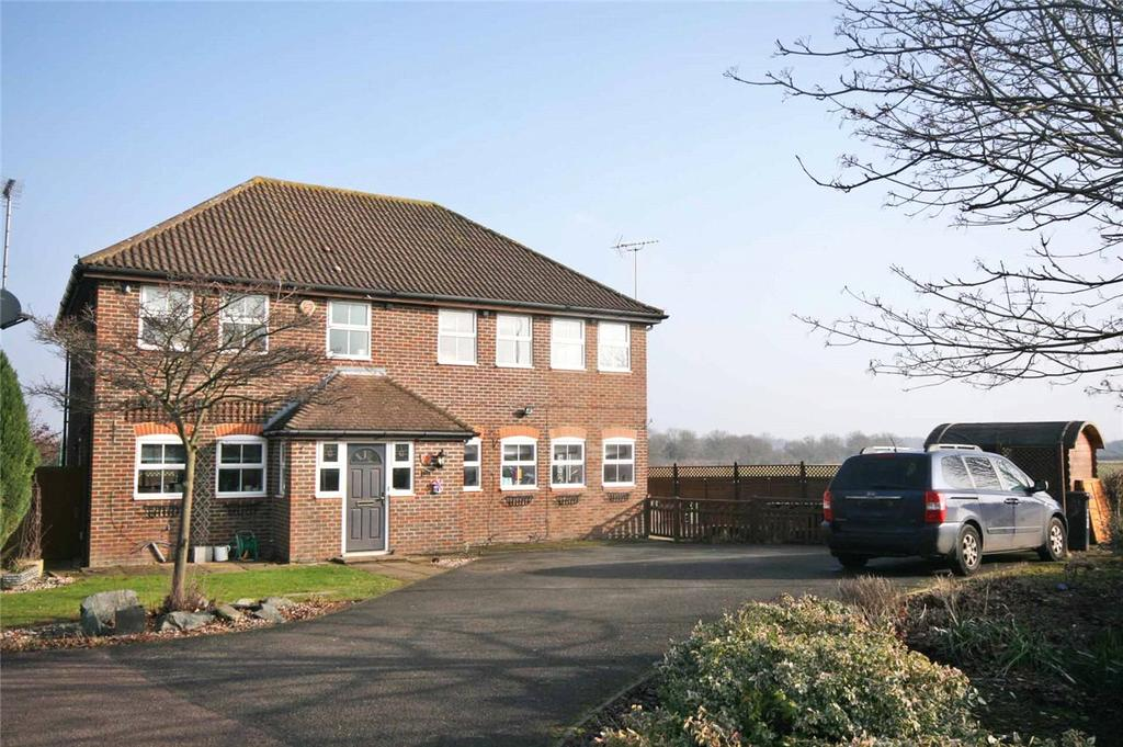 5 Bedrooms Detached House for sale in Halifax Way, Welwyn Garden City, Hertfordshire