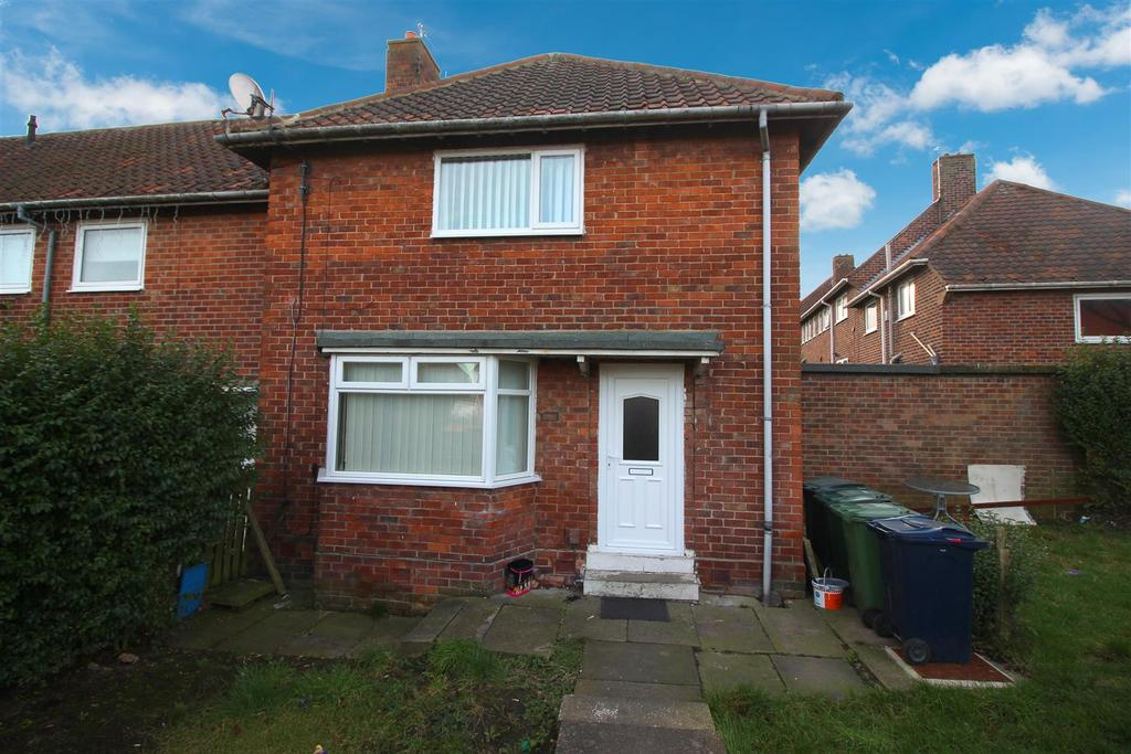2 Bedrooms Semi Detached House for sale in Aycliffe Avenue, Gateshead