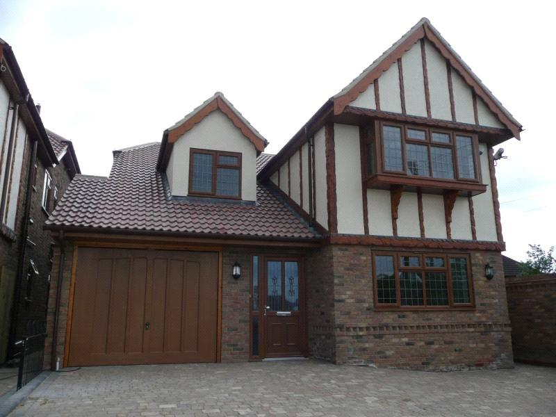 4 Bedrooms Detached House for sale in Great Berry Lane, Langdon Hills, Essex, SS16