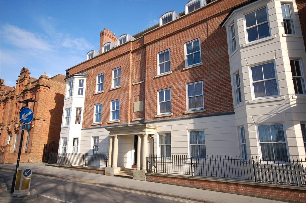 3 Bedrooms Flat for sale in Kirbys Heights, Station Road West, Canterbury, CT2
