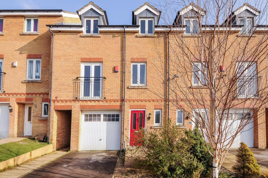 4 Bedrooms Town House for sale in BROADWELL DRIVE , SHIPLEY, BD18 1QN