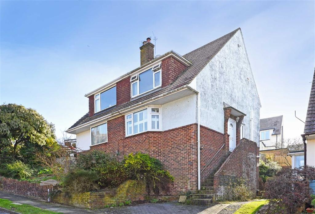 3 Bedrooms Semi Detached House for sale in Overdown Rise, Portslade