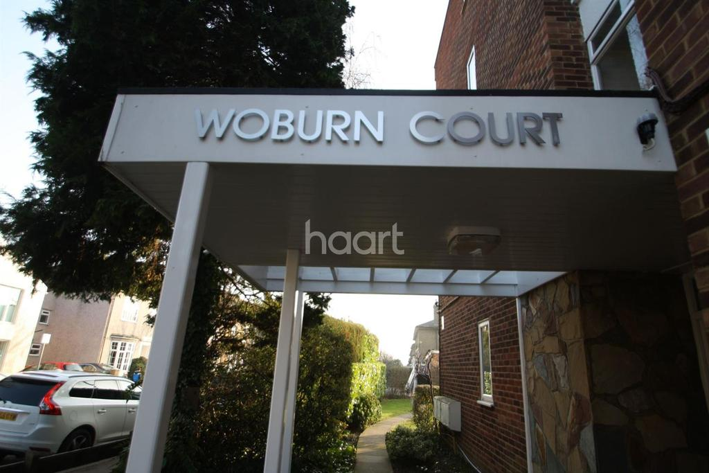 2 Bedrooms Flat for sale in Woburn Court, Bedford Road, South Woodford, E18