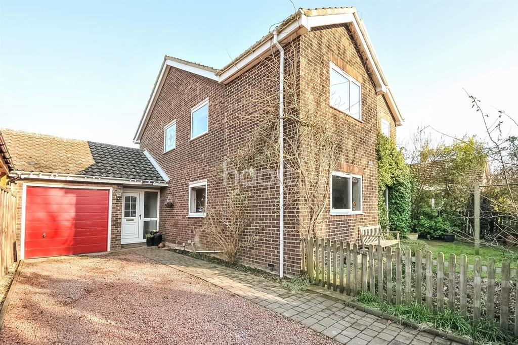 4 Bedrooms Detached House for sale in Larksmead, Long Lane, Fowlmere