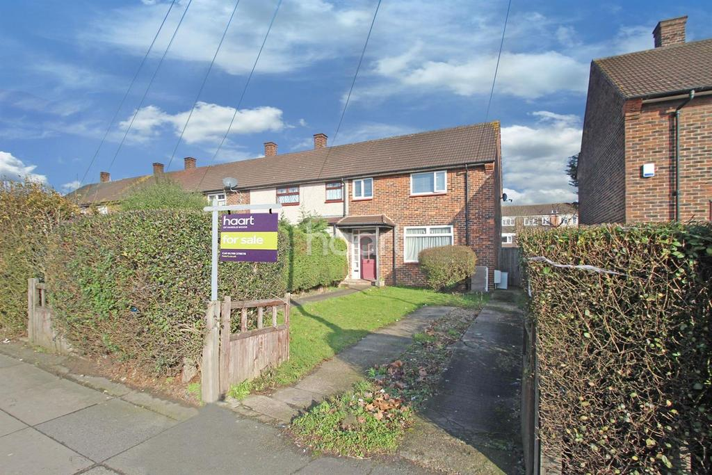 3 Bedrooms End Of Terrace House for sale in Straight Road, Romford, RM3 8AA