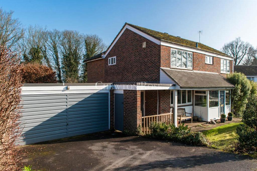 4 Bedrooms Detached House for sale in Chalfont St Peter, Buckinghamshire