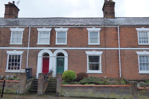 3 Bedrooms Terraced House for sale in Upgate, Louth, LN11