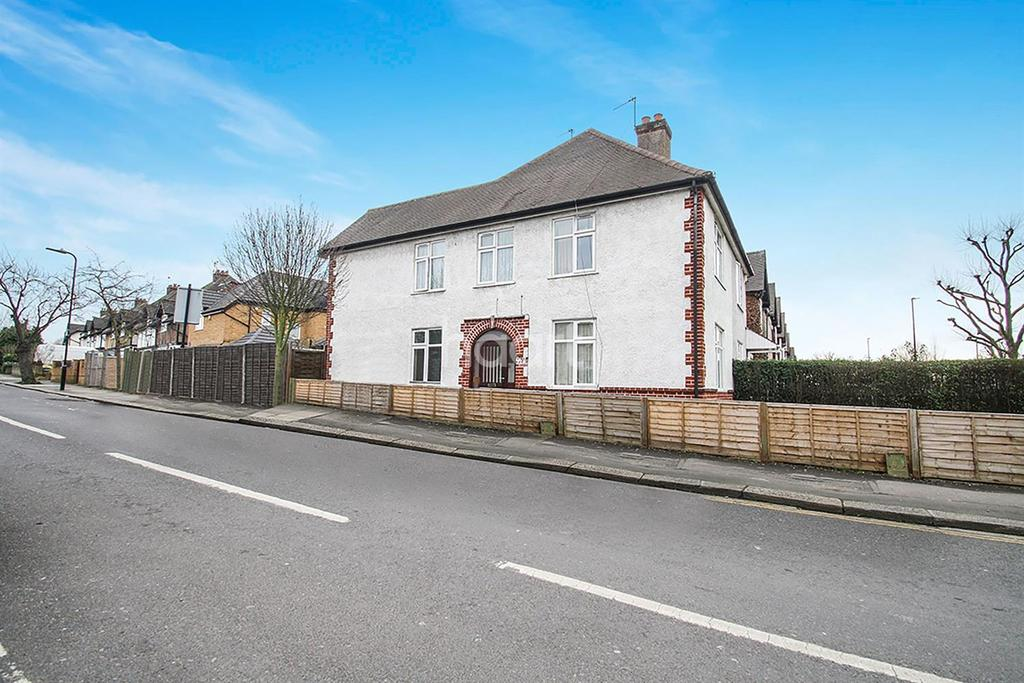 3 Bedrooms End Of Terrace House for sale in Greenford