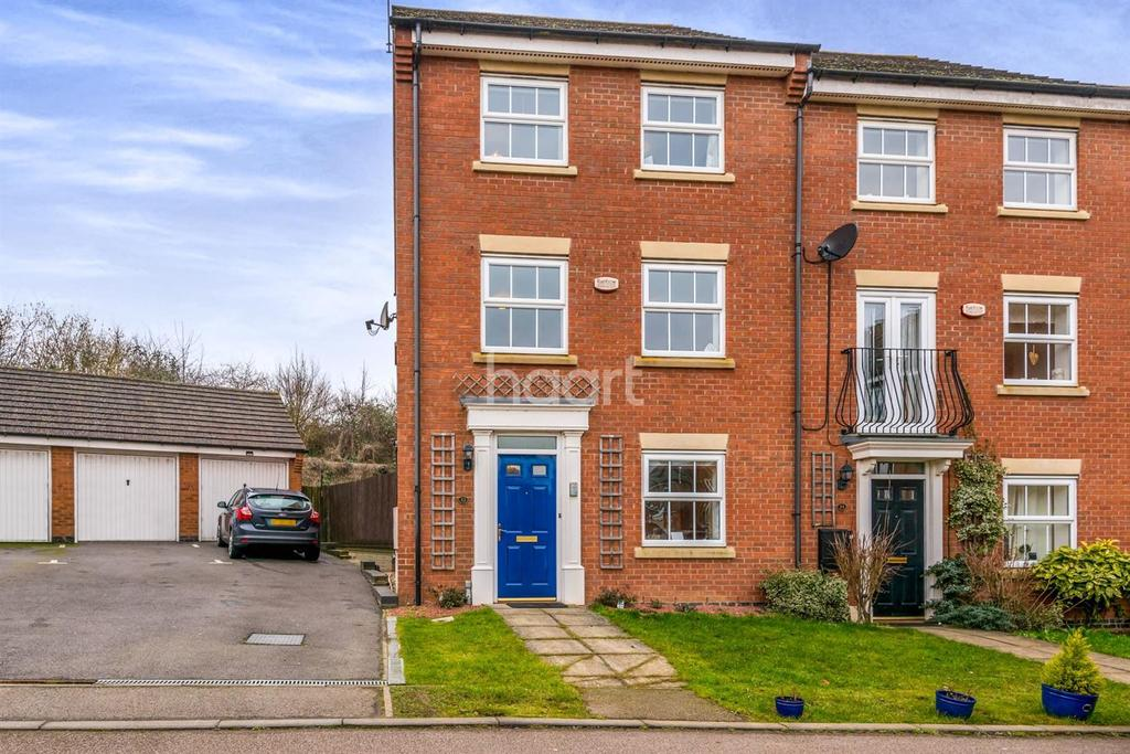 4 Bedrooms Semi Detached House for sale in MARKET TOWN HIGHAM FERRERS