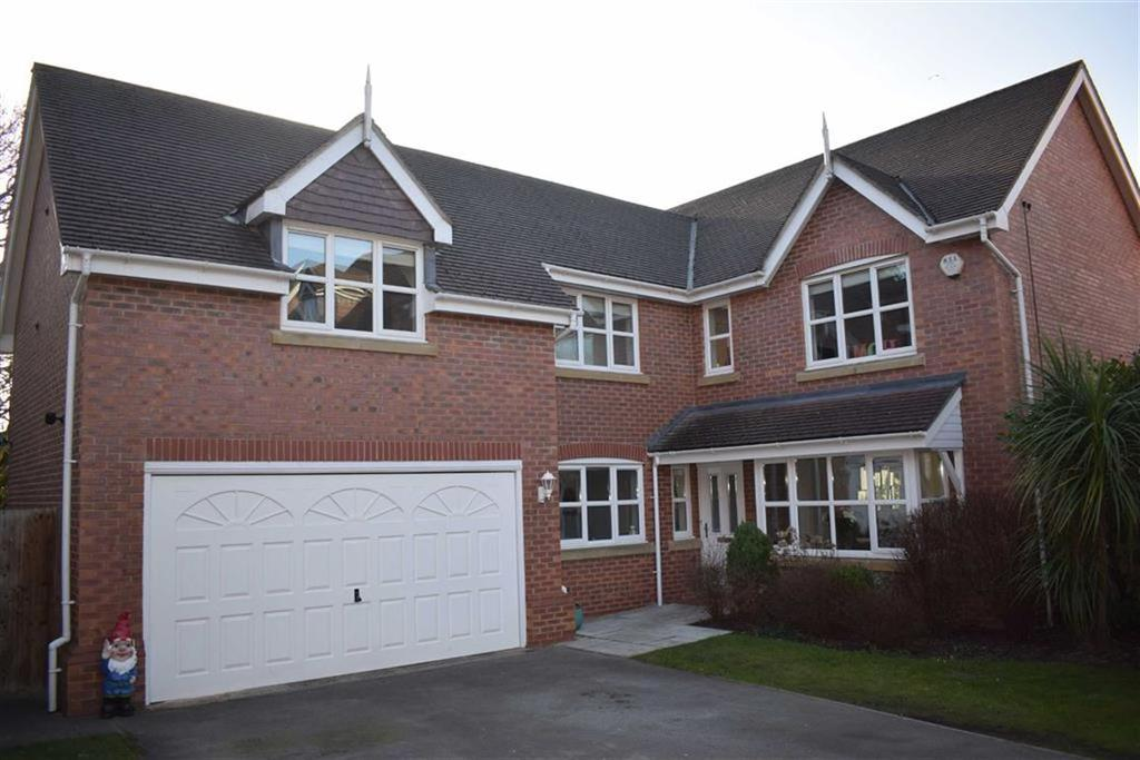 5 Bedrooms Detached House for sale in Lazonby Close, CH43