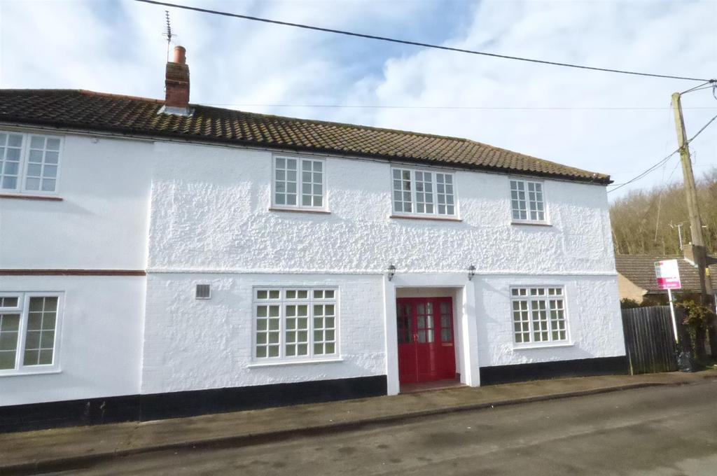 5 Bedrooms Semi Detached House for sale in White Horse Street, Brandon