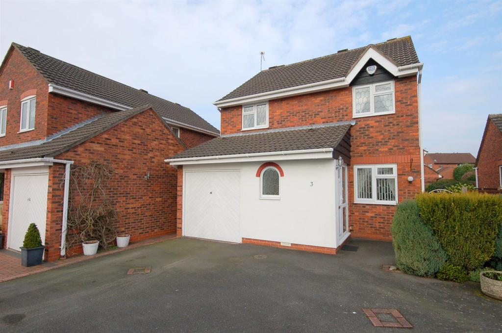3 Bedrooms Detached House for sale in Swettenham Close, Alsager