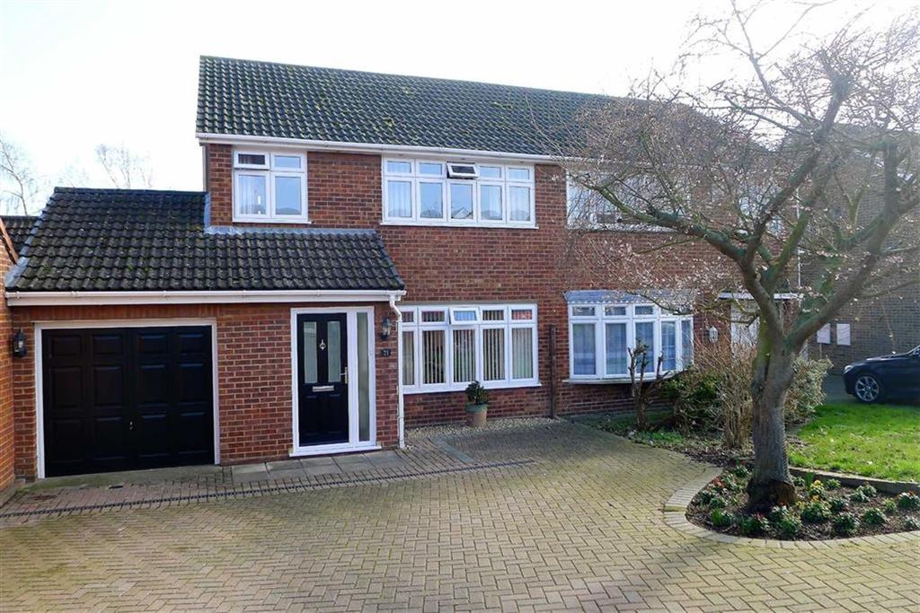 3 Bedrooms Semi Detached House for sale in Burntwick Drive, Lower Halstow, Kent, ME9