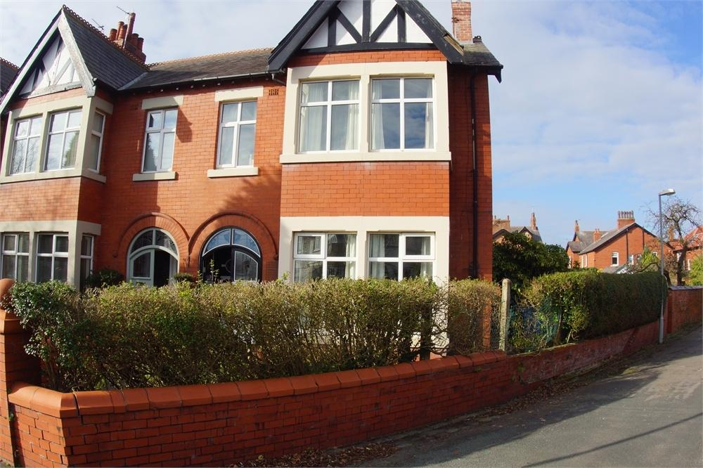 4 Bedrooms End Of Terrace House for sale in Milner Road, Ansdell, Lancashire