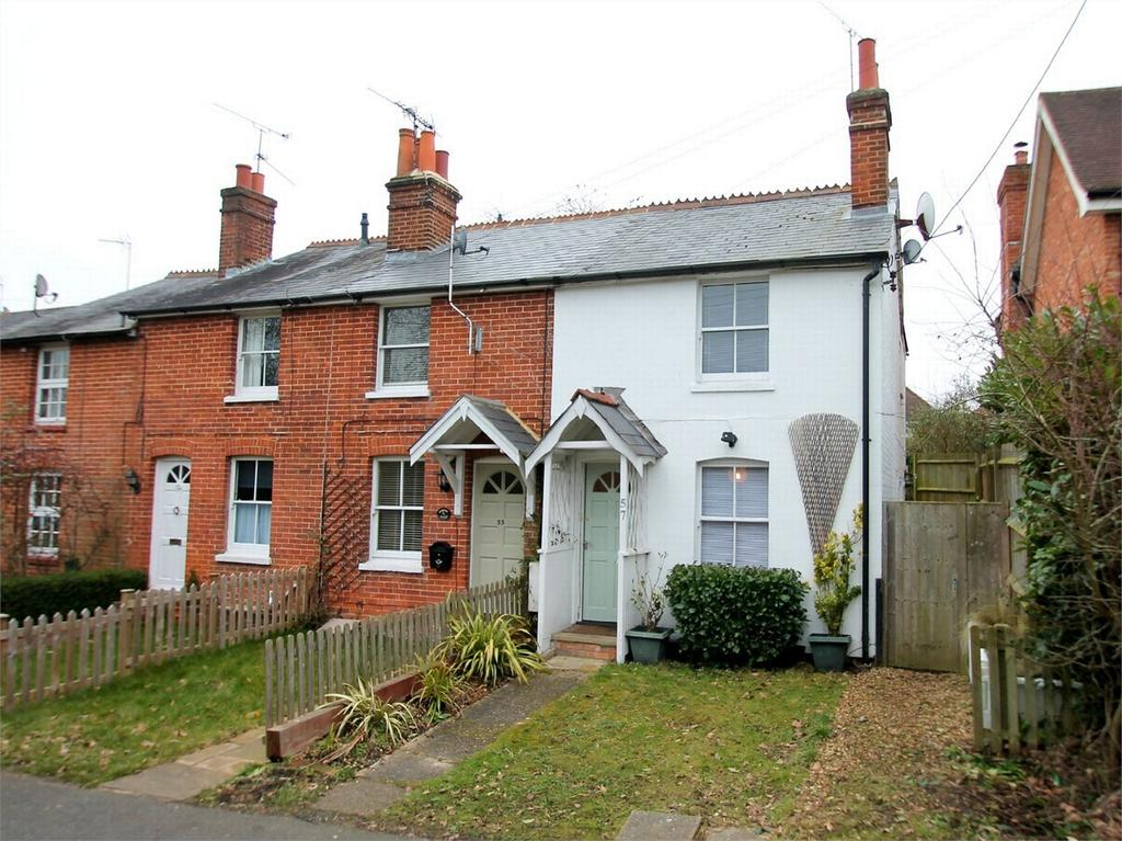 2 Bedrooms Cottage House for sale in Hook, Hampshire