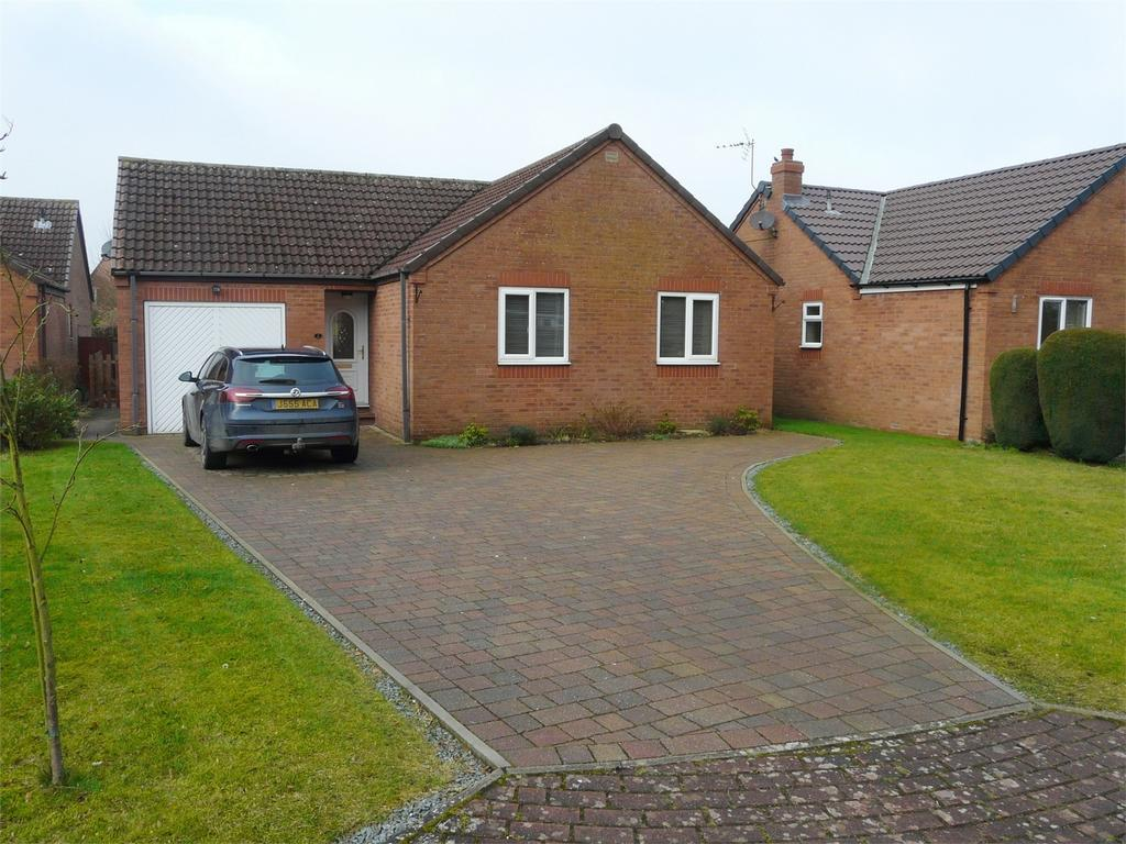 2 Bedrooms Detached Bungalow for sale in 2 Southfield Close, Pocklington, York