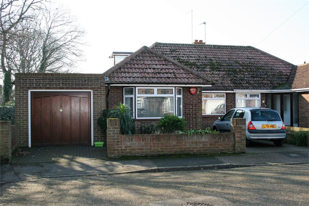 2 Bedrooms Semi Detached Bungalow for sale in Wickham Avenue Ramsgate