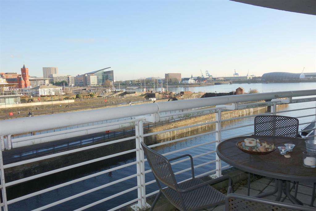 1 Bedroom Flat for sale in Sovereign Quay, Havannah Street, Cardiff