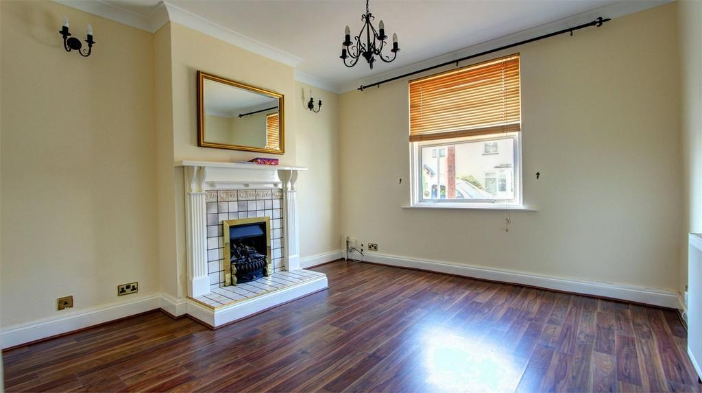 2 Bedrooms Semi Detached House for sale in Bloomfield Road, Bromley, Kent