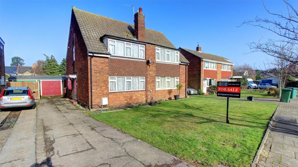 3 Bedrooms Semi Detached House for sale in Doves Close, Bromley, Kent