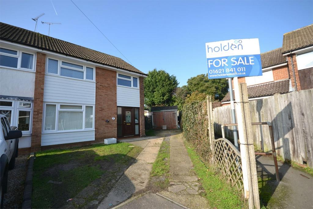 3 Bedrooms Semi Detached House for sale in Norfolk Close, Maldon, Essex