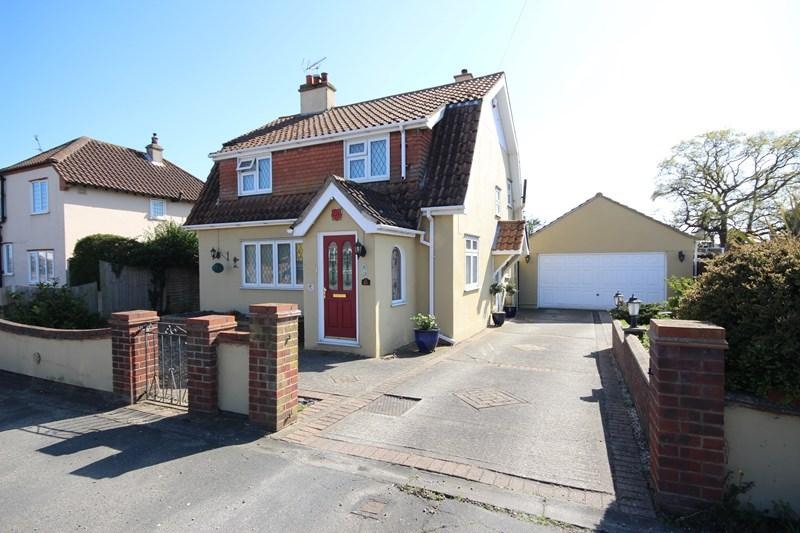 4 Bedrooms Detached House for sale in Valley Road, Clacton-On-Sea
