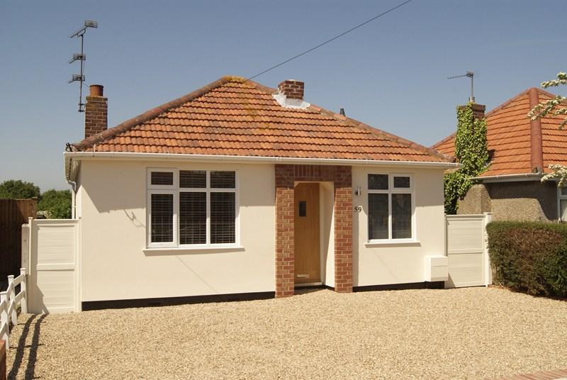 2 Bedrooms Bungalow for sale in Brentwood Road, HOLLAND ON SEA