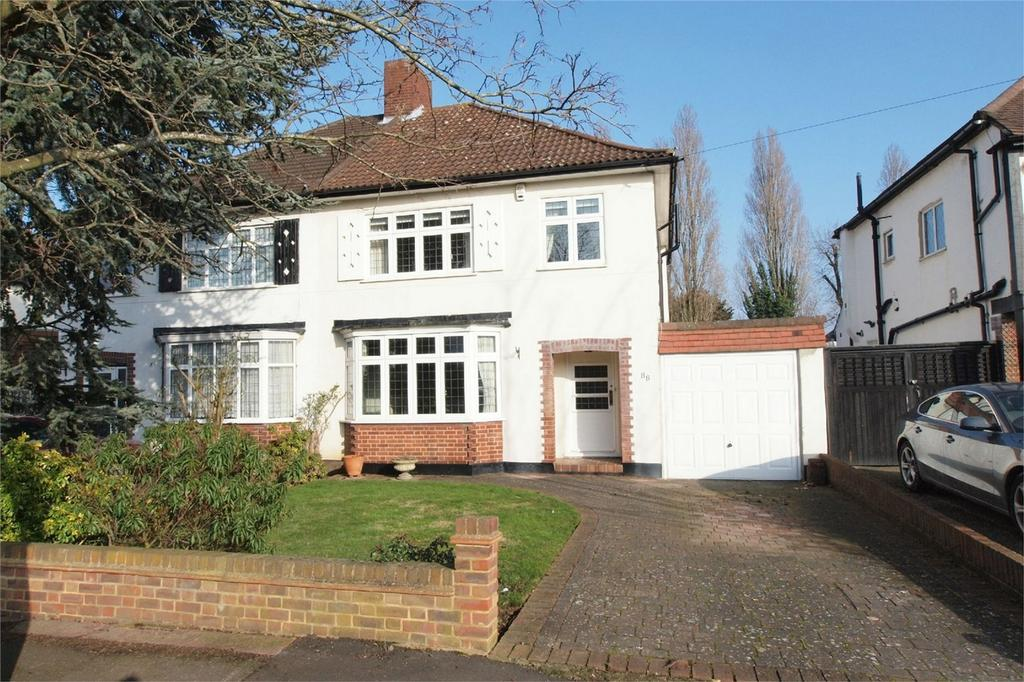 3 Bedrooms Semi Detached House for sale in Kingswood Avenue, Bromley, Kent