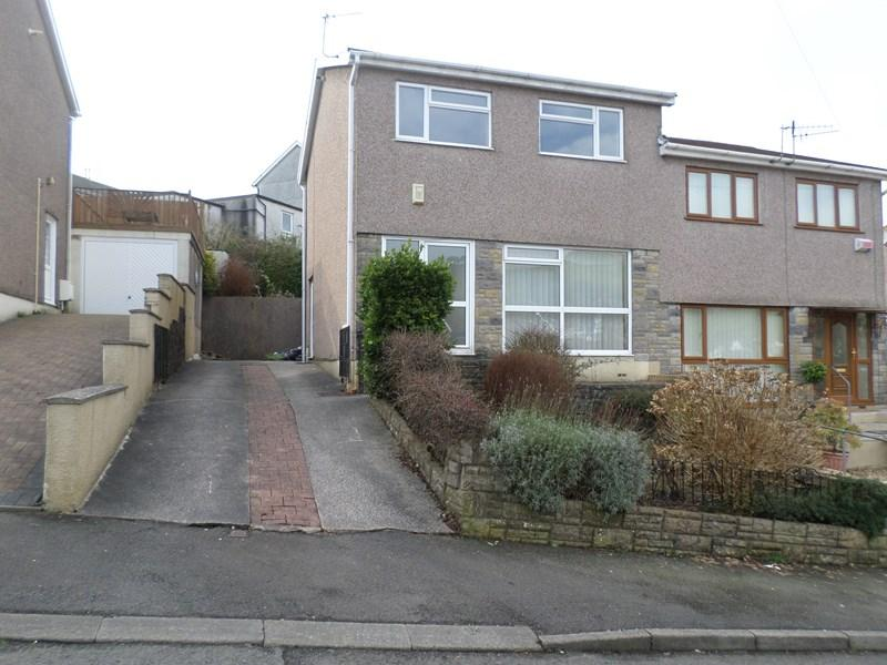 3 Bedrooms Semi Detached House for sale in Pinewalk Drive, Porth