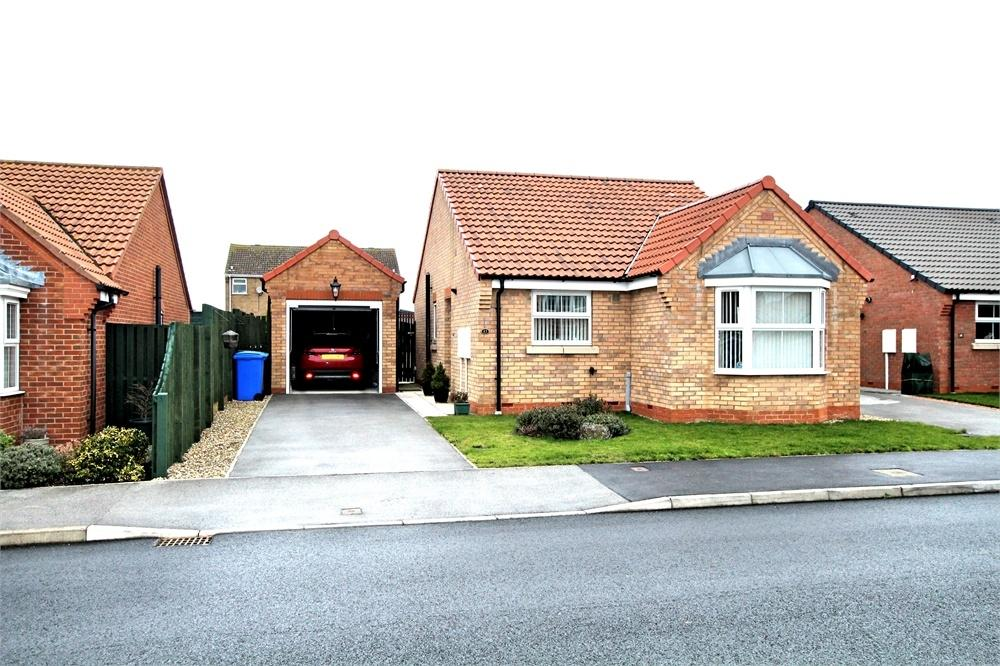 2 Bedrooms Detached Bungalow for sale in 17 The Glade, WITHERNSEA, East Riding of Yorkshire