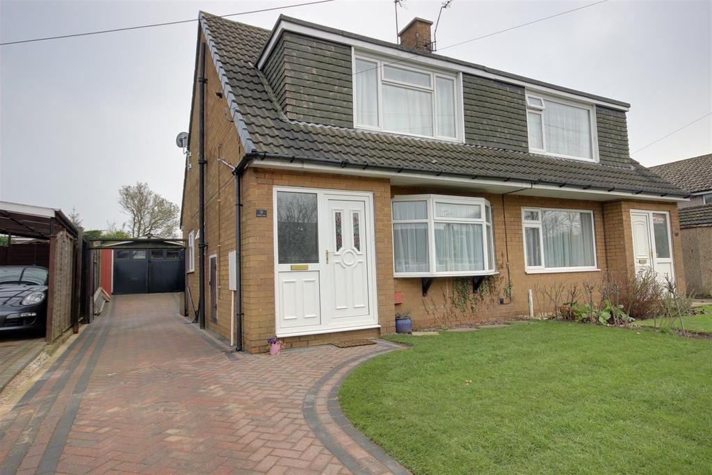 3 Bedrooms Semi Detached House for sale in Woodland Avenue, Elloughton