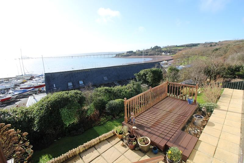 3 Bedrooms Detached Bungalow for sale in Fairsea Close, Hakin, Milford Haven, Pembrokeshire. SA73 3RL