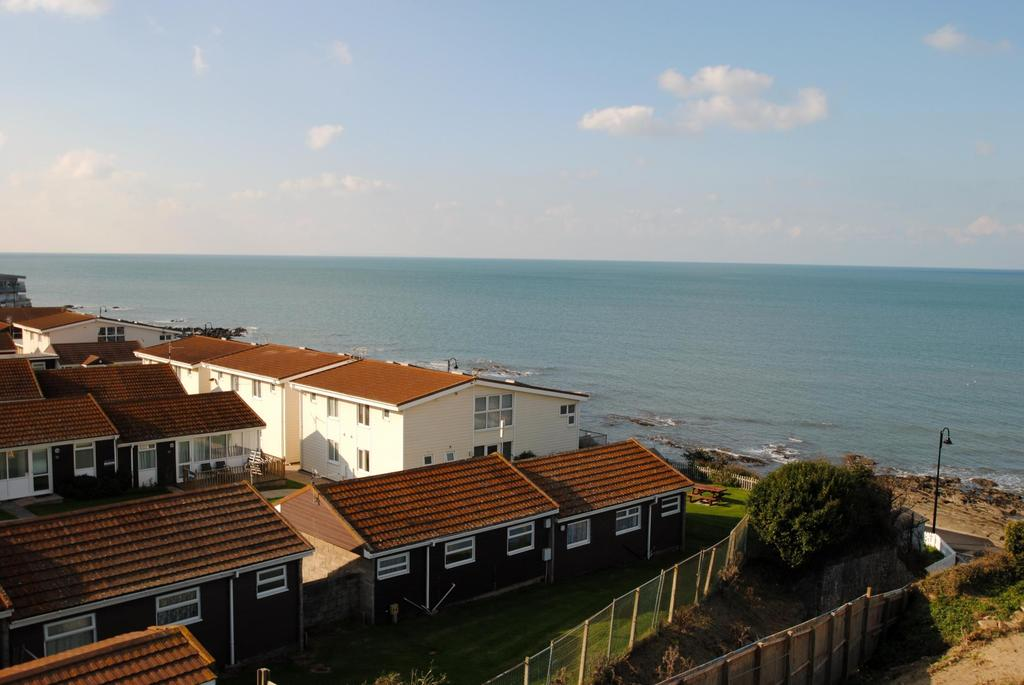 2 Bedrooms Apartment Flat for sale in Nelson Road, Westward Ho!
