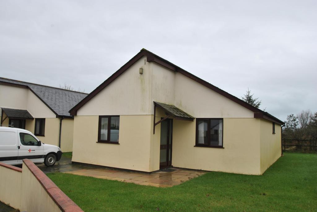 3 Bedrooms Bungalow for sale in Parklands, Penstowe Holiday Park