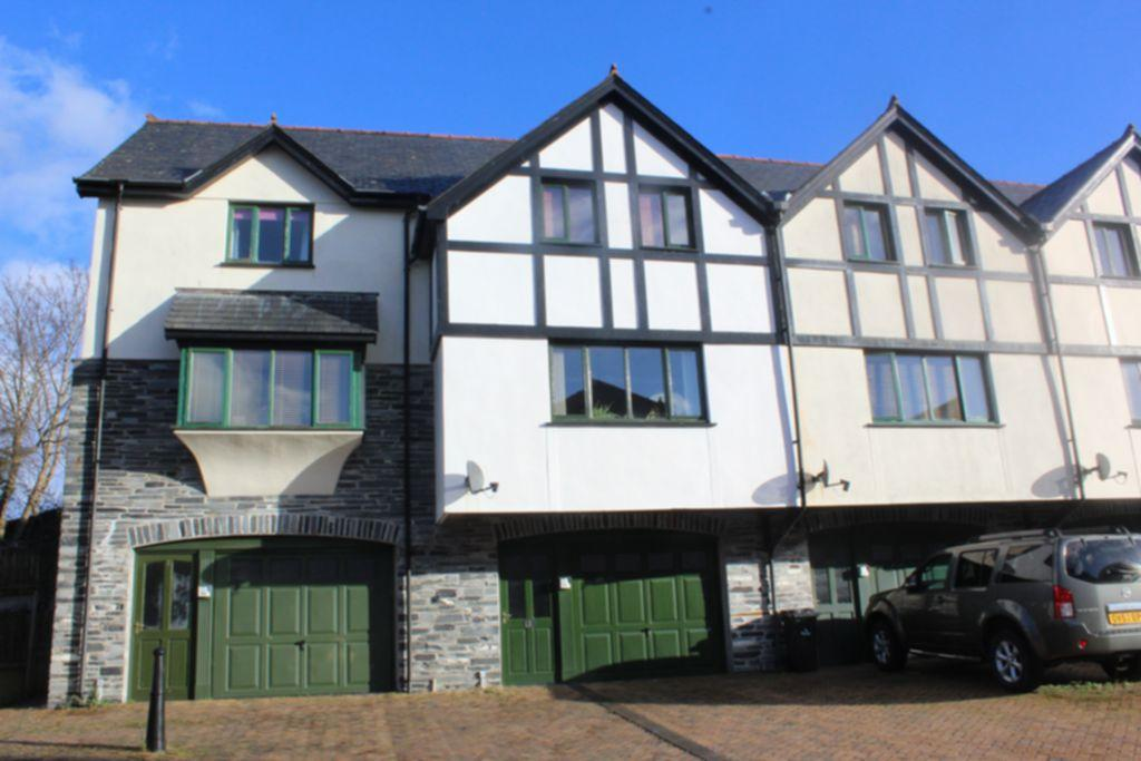 2 Bedrooms House for sale in Tan Yr Eglwys, Machynlleth, SY20