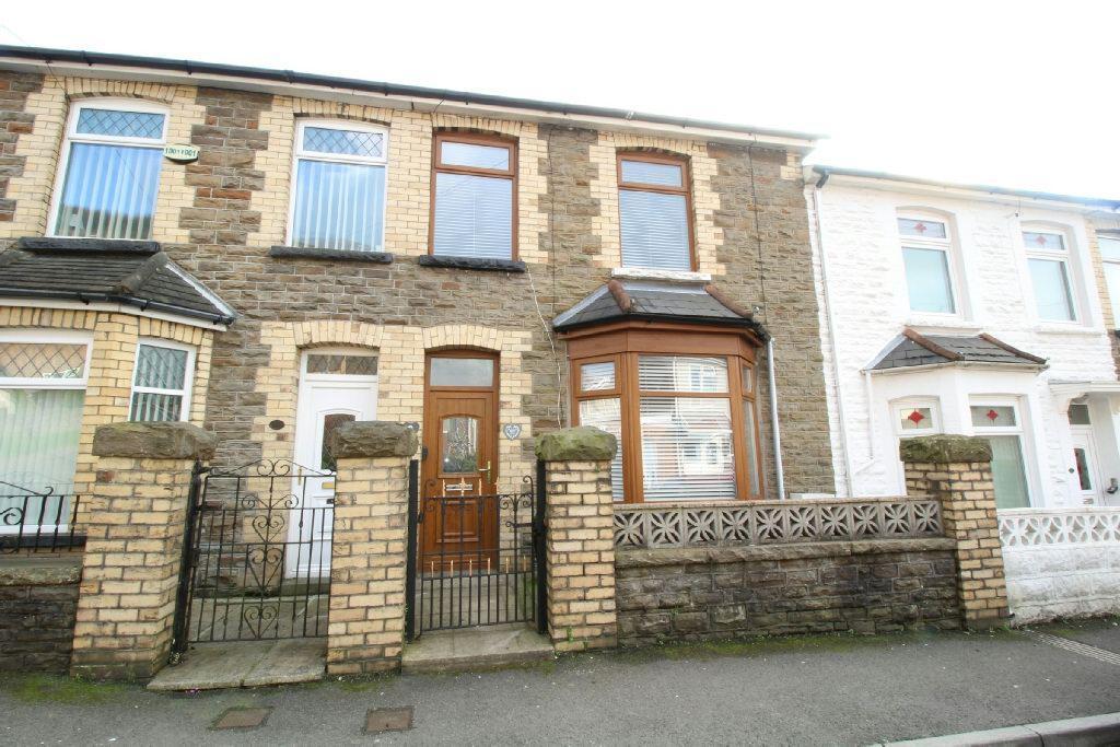 3 Bedrooms Terraced House for sale in Park Street, Cwmcarn, Newport