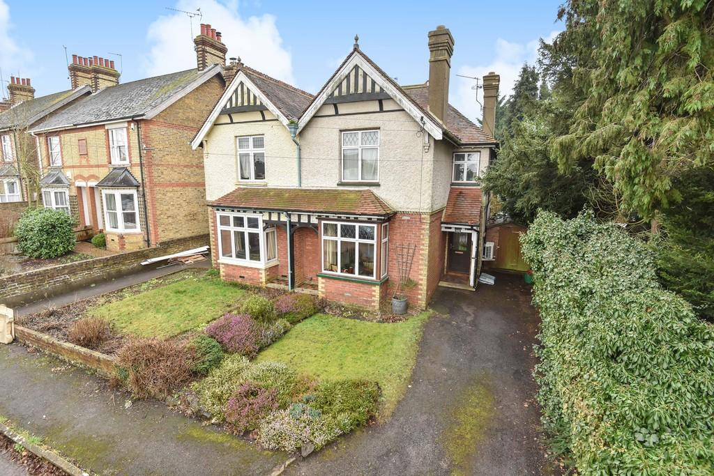 4 Bedrooms Semi Detached House for sale in Loose Road, Maidstone