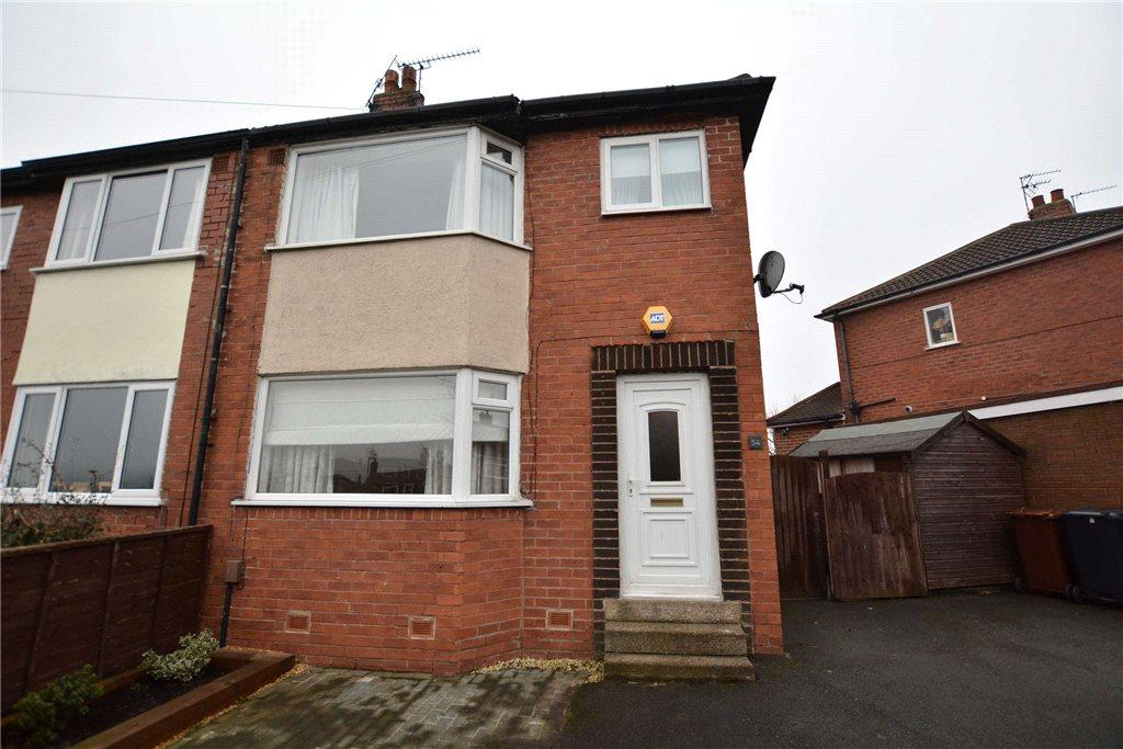 3 Bedrooms Semi Detached House for sale in Half Mile Lane, Leeds, West Yorkshire