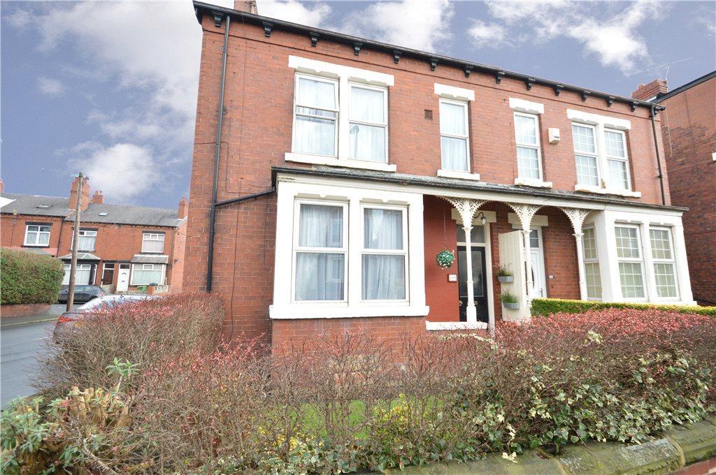 5 Bedrooms Semi Detached House for sale in Cross Flatts Grove, Leeds, West Yorkshire