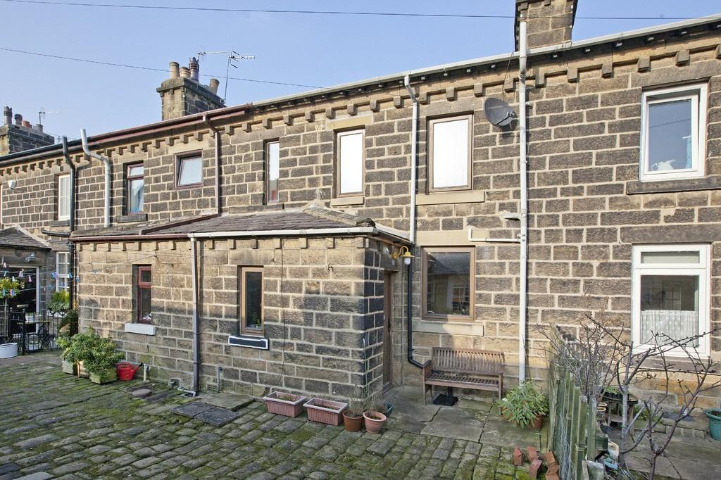 2 Bedrooms Terraced House for sale in Railway Terrace, Ilkley