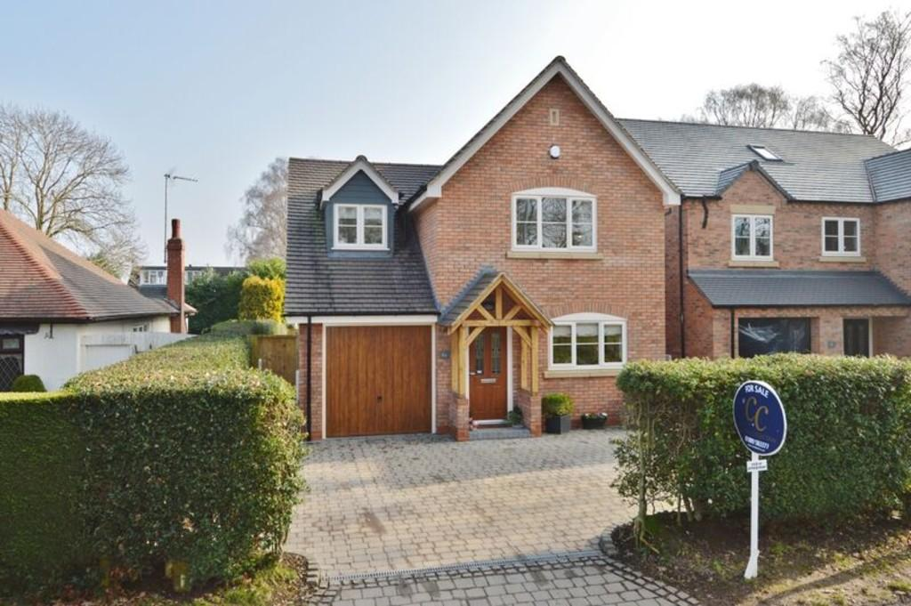 4 Bedrooms Detached House for sale in Westbutts Road, Etchinghill