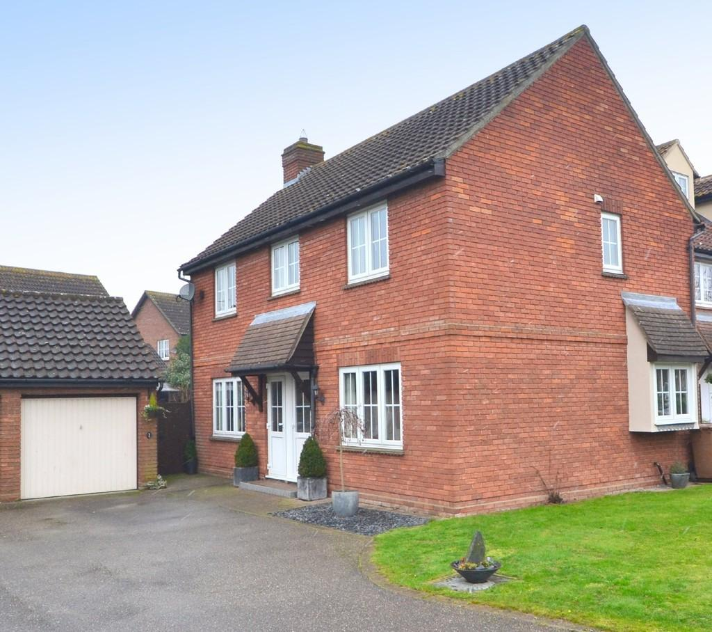 4 Bedrooms Detached House for sale in Hopkins Mead, Chelmsford