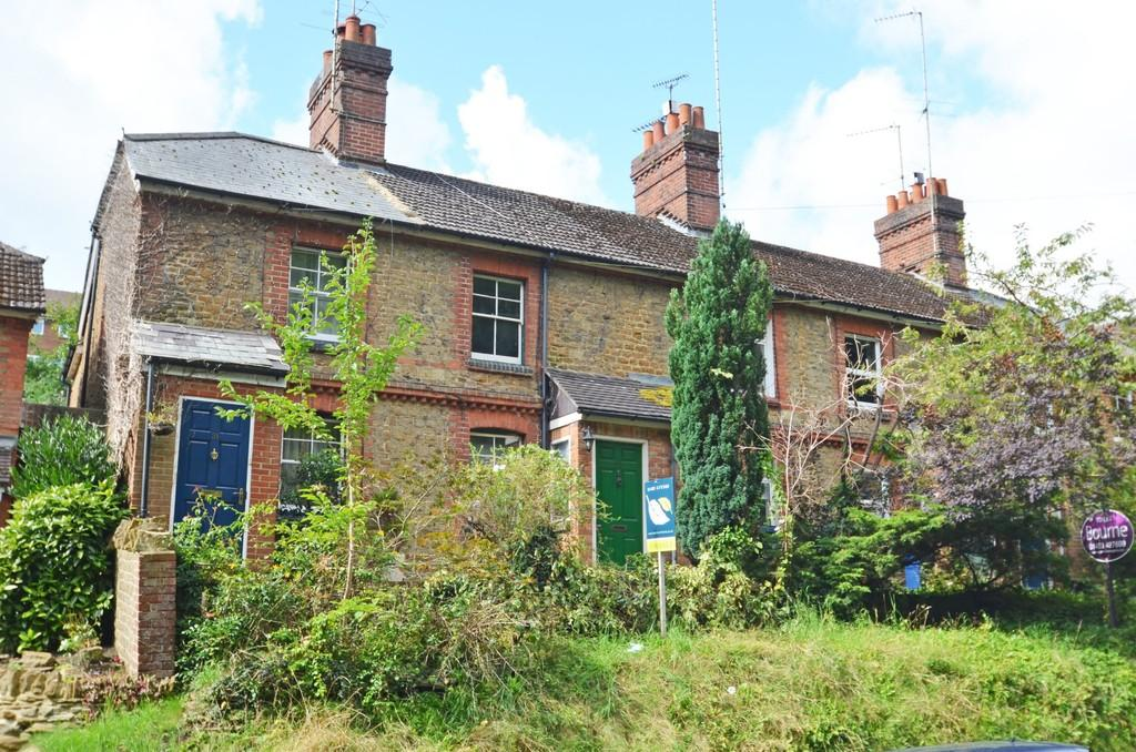 2 Bedrooms Cottage House for sale in Godalming