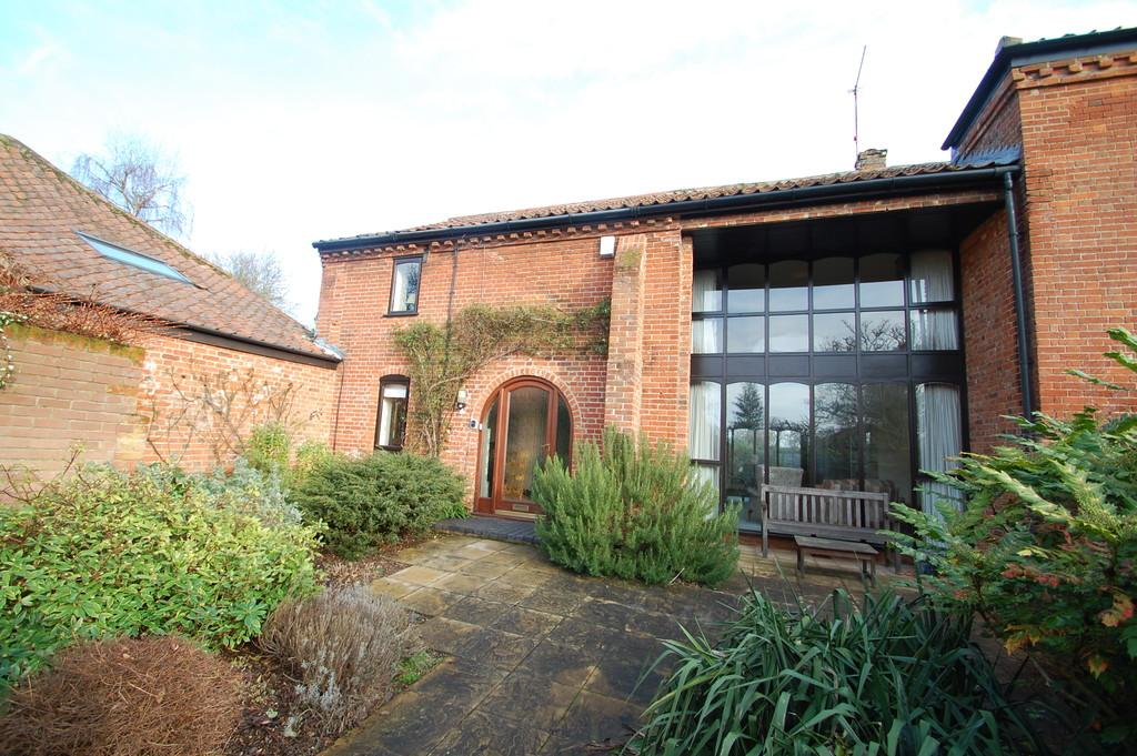 4 Bedrooms Barn Conversion Character Property for sale in Wroxham Road, Coltishall