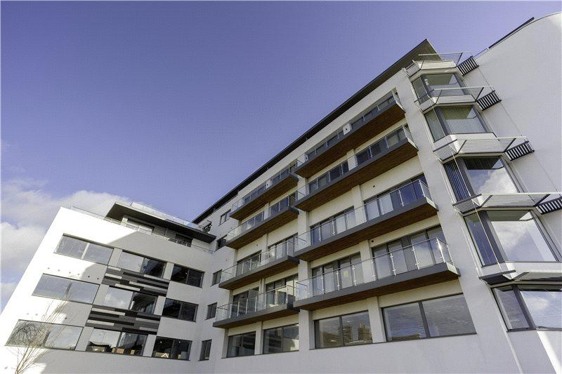 2 Bedrooms Penthouse Flat for sale in Altitude, 56-58 Parkstone Road, Poole, Dorset, BH15