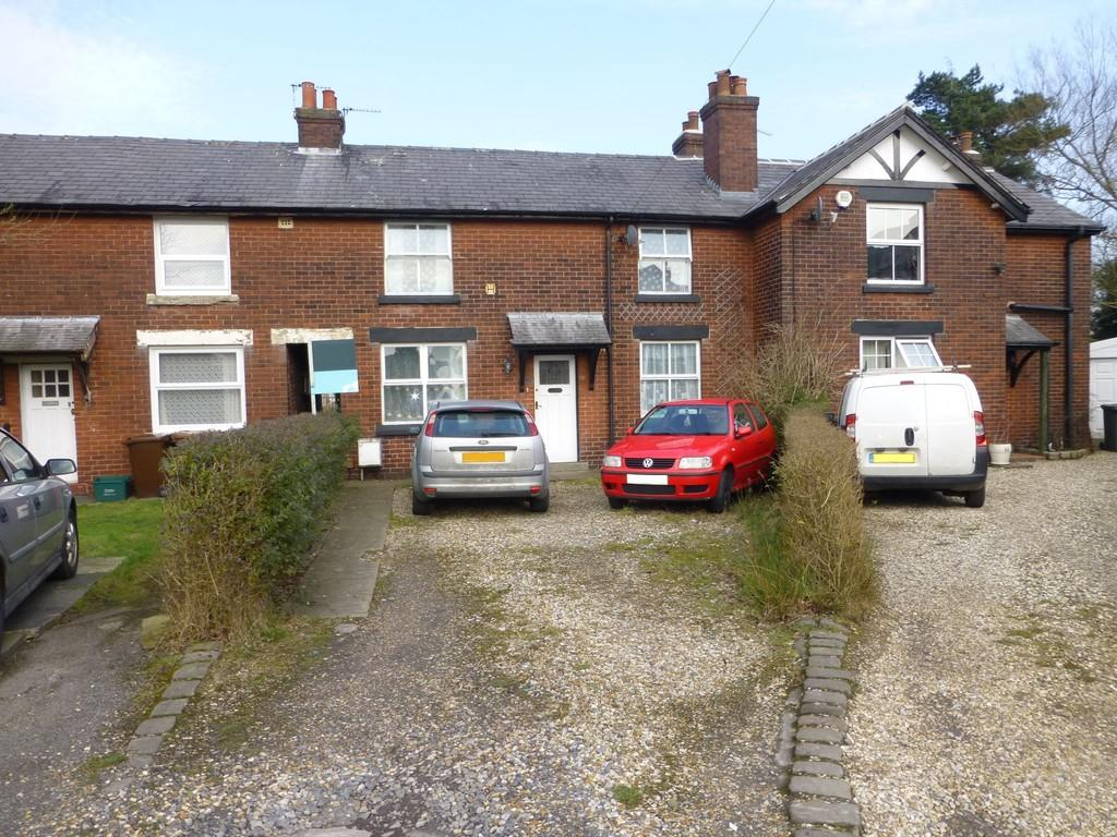 3 Bedrooms Terraced House for sale in Tennyson Avenue, Chorley