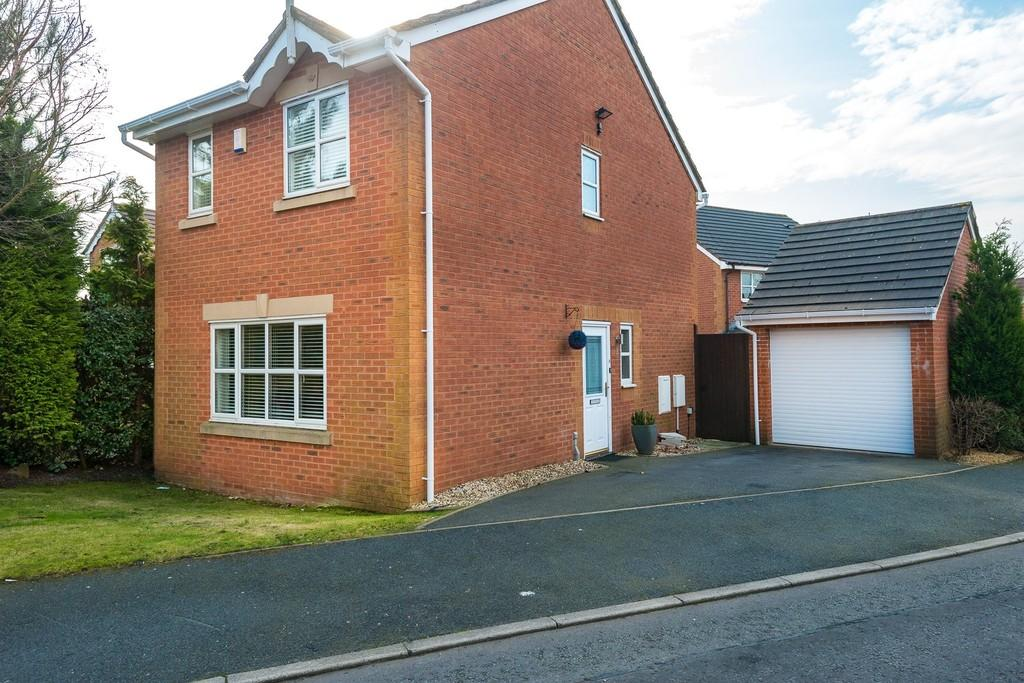 3 Bedrooms Detached House for sale in Whelan Gardens, Sutton, St. Helens