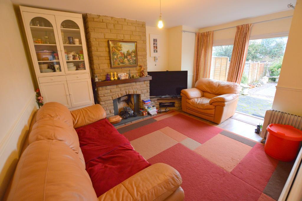 3 Bedrooms Semi Detached House for sale in Osborne Road, South Luton, Luton, LU1 3HJ