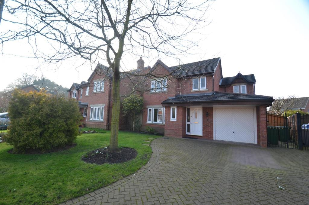3 Bedrooms Detached House for sale in Charter Close, Sale